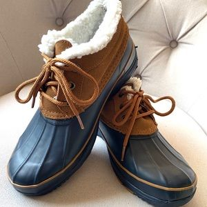 KHOMBU Waterproof Navy Ankle Booties 9 EUC